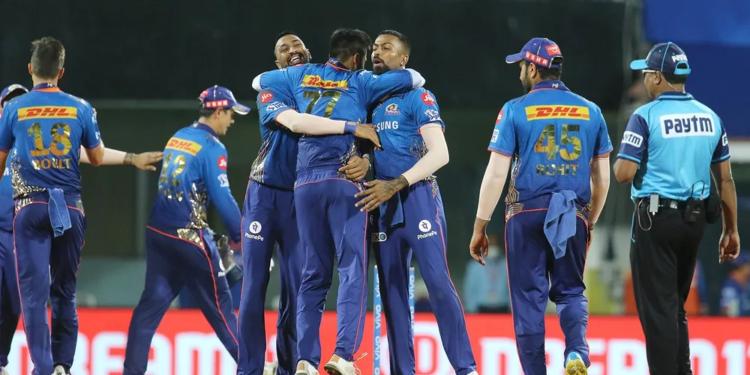 मुंबई इंडियंस (MI) ने कोलकाता नाइटराइडर्स (KKR) को हराया